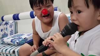 Kids Toy Media - Bé Tập Hát Nhạc Thiếu Nhi: Chị Ong Nâu Cả Nhà Thương Nhau (Tin hát karaoke)