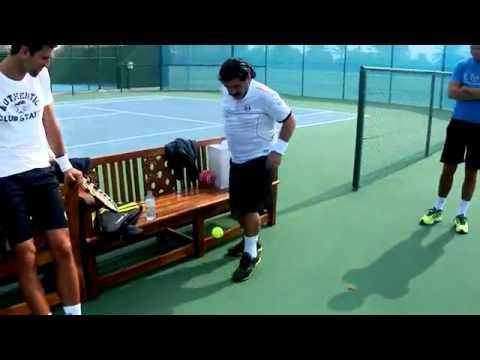 Maradona Impresiona A Djokovic Dominando Pelota De Tenis