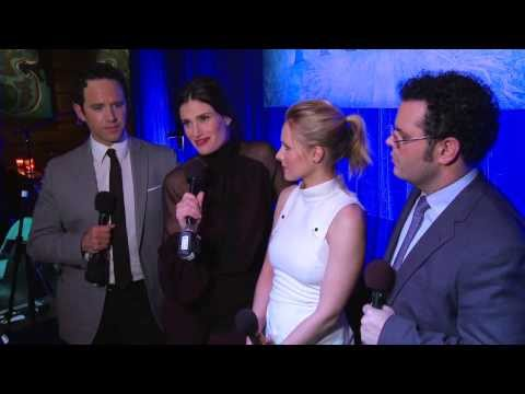 Frozen: The First Live Performance of the Songs from the Movie - Kristen Bell, Idina Menzel