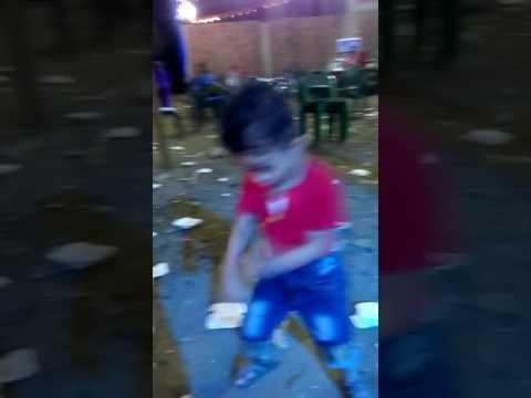 طفل يرقص شعبي thumbnail