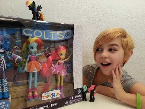 My Little Pony - Equestria Girls Rainbow Dash and Fluttershy Review!