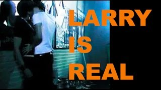 LARRY KISSING, LEAKED PHOTOS