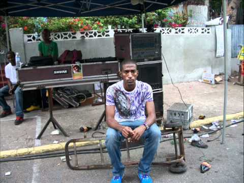 DJ JUNIOR KILLA  JAMAICA  -PLAYING SOME SOULS -  R&B  MUSIC.wmv Music Videos