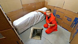 Box Fort PRISON ESCAPE! Stephen Yeager Needs HELP