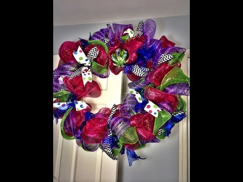 How-To: Holiday Geo Mesh Wreath