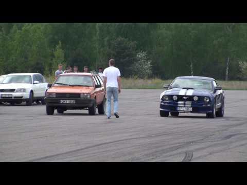 Fiat uno vs mustang GT vs passat 1.9TDI  twin turbo