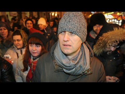 RAW: Navalny detention en route to Moscow rally caught on camera