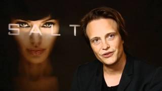 August Diehl knutscht mit Angelina!