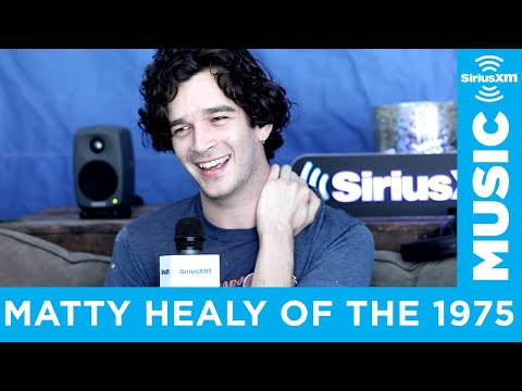 Download The 1975's Matty Healy Talks Mick Jagger, Drake and New Album 'Notes On A Conditional Form' Mp4 baru