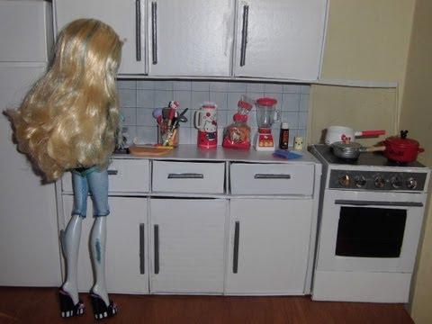 Como fazer um balcão com pia de cozinha para boneca Monster High. Pullip. Barbie e etc