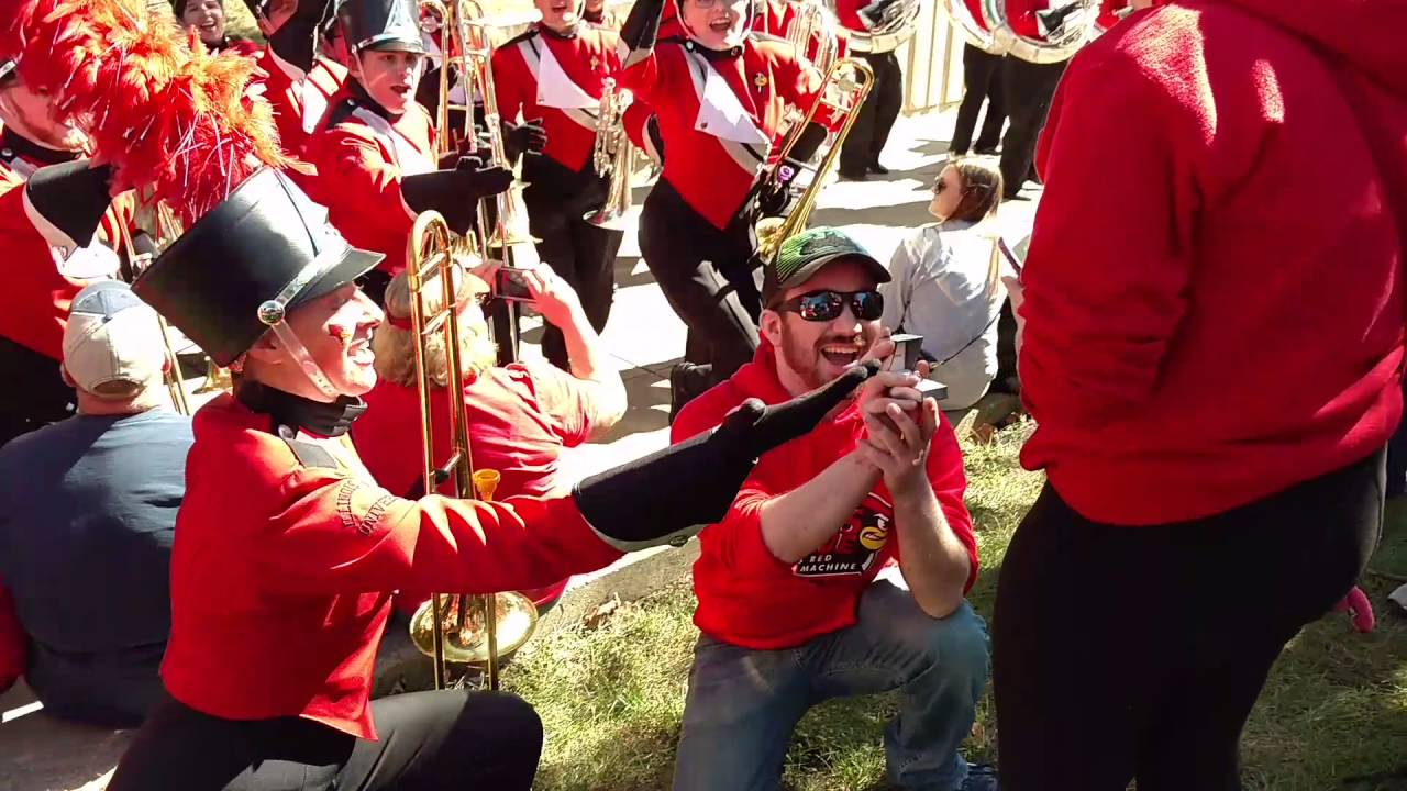 Guy Pulls Off Slick Marriage Proposal With Help From University Marching Band