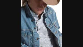 Watch Dwight Yoakam Lonesome Roads video
