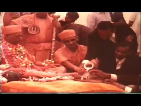 Swaminarayan Bhagwan Bhajan – footage of the kirtan Swaminarayan...