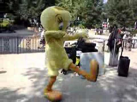 Tweety Bird Crank Dat Superman Video