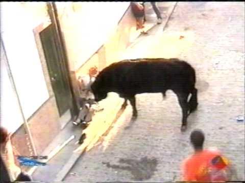 cogida de toro paterna impacto total