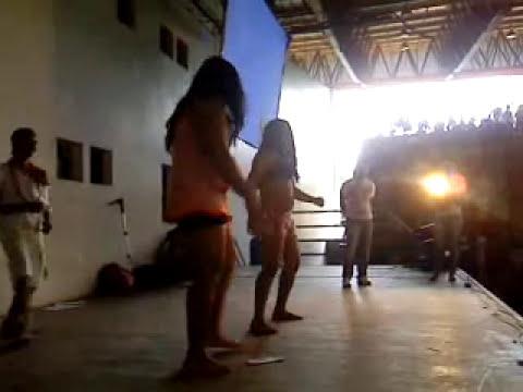 Thiagão vestido  de mulher melancia Parte 2