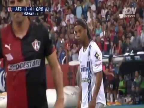 ¡Golazo de Ronaldinho!