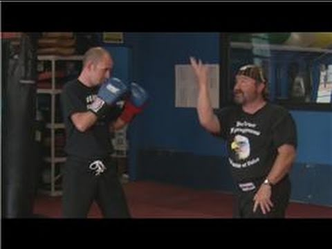 Kickboxing : How to Throw an Uppercut Punch in Kickboxing Image 1