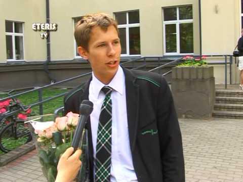 """ETERIS TV 2013.06.04 Paskutinis skambutis """"Žiburio"""" gimnazijoje."""