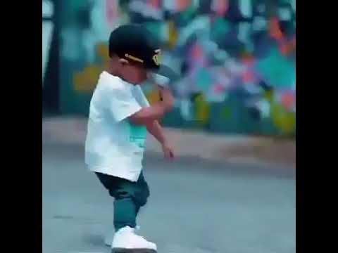 طفل يرقص بريك دانس thumbnail