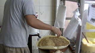 How They Make Apong Balik, 慢煎糕, Menglembu