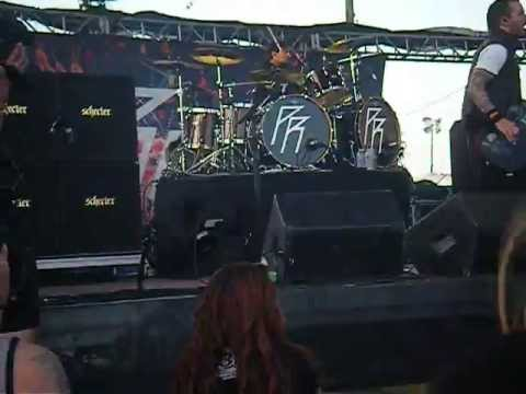 "Papa Roach - ""Still Swingin'"" (Live)"