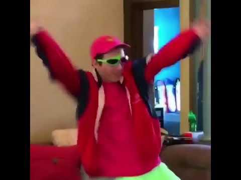 (meme) guy dancing to rockstar 21 savage/nickelback remix