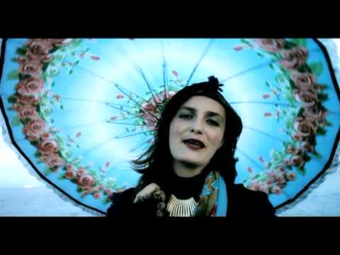 """Official video for Baklava' s song """"El amor kon un estranyo"""" (In Love With a Stranger). This is from their album """"Me mankas mucho"""" (I miss you so much), publ..."""