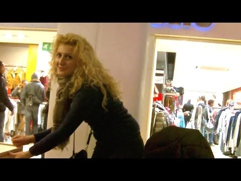CHRISTMAS 2011- CROYDON: Whitgift Centre, High Street, Fairfield Halls