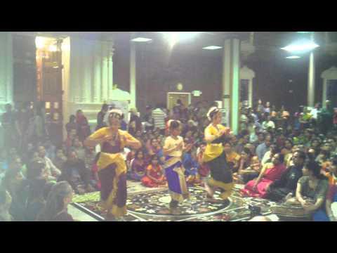 Andal Thirupavai Koodarai Vellum Seer Govinda video