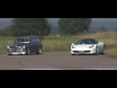 "Ferrari 458 vs Volvo Amazon '67 ""Vöcks"" exteriour race and in detail"