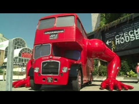 London double decker does push-ups - no comment