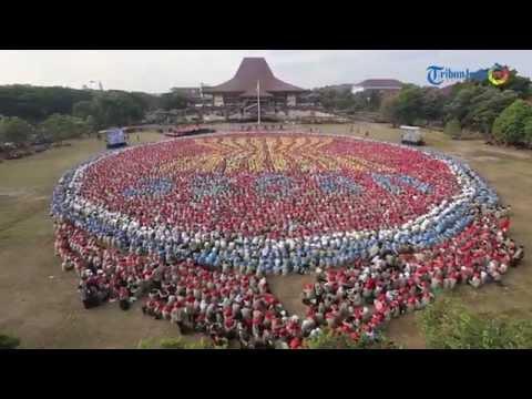 9.500 Maba UGM Bentuk Formasi Logo ASEAN