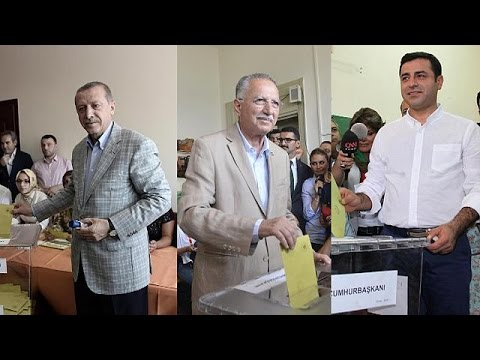 Turkey election: presidential candidates cast their votes