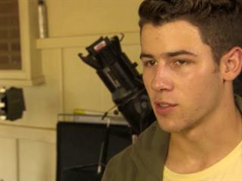 Hawaii Five-0 - Nick Jonas Guest Stars
