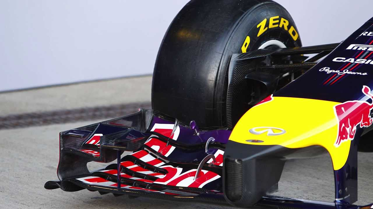 Daniel ricciardo (aus) red bull racing rb10 with flow-vis paint on the rear diffuser