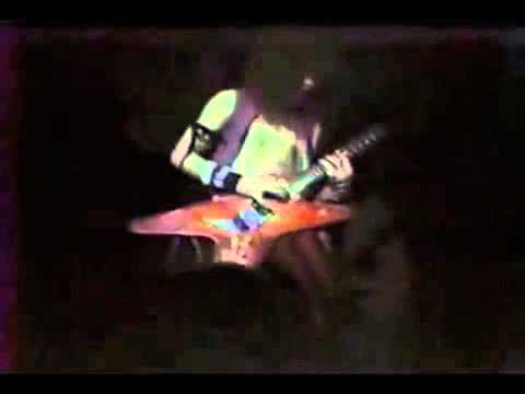 Dean Guitars - Dimebag's ripping solos at age 18!