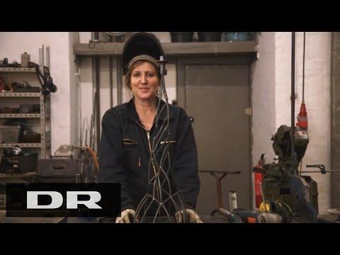 Sådan laver du en lysestage med Charlotte | Made in Denmark | DR1