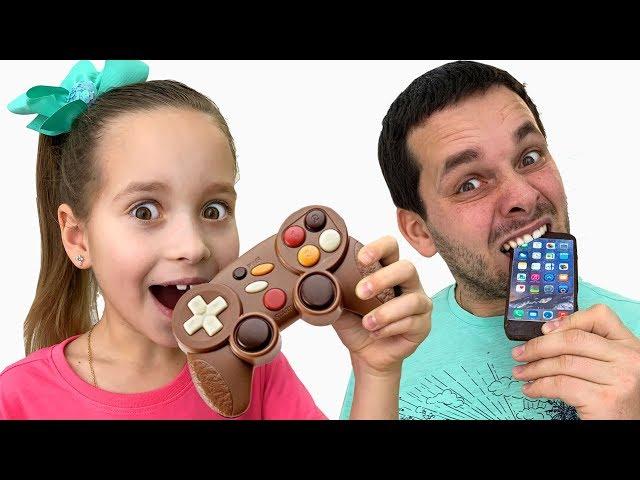 София и веселая история про новые игры в челлендж шоколад как съедобное и настоящее