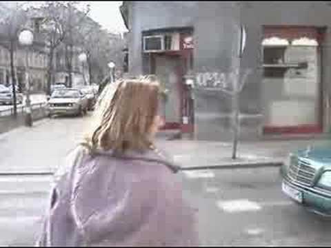 Luda baba na ulici