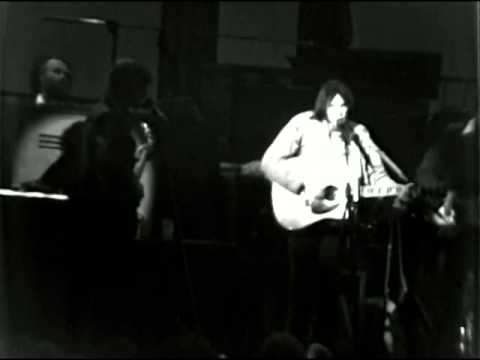 The Band - Four Strong Winds (with Neil Young) - 11/25/1976 - Winterland (Official)