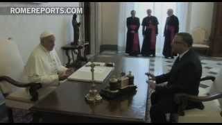 President of El Salvador gives Pope a relic of Msgr. Romero
