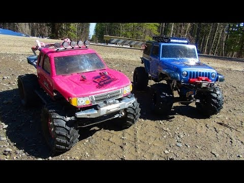 RC ADVENTURES - PiNKY & the BEAST! Family Outing with Scale RC 4x4 Trucks