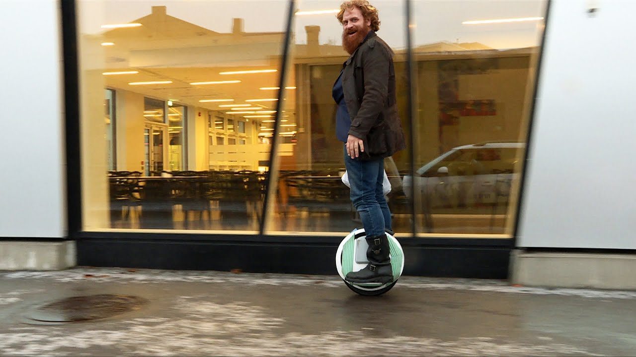 [Game Of Thrones Actor Stays Safe On Icy Sidewalk By Riding Electric Unicycle] Video