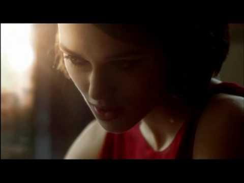 keira knightley chanel coco mademoiselle commercial. Keira Knightley dans la nouvelle pub Coco Mademoiselle pour Chanel. 3:20. Suivez toute l#39;actu du web et des médias sur Facebook : www.facebook.com Keira