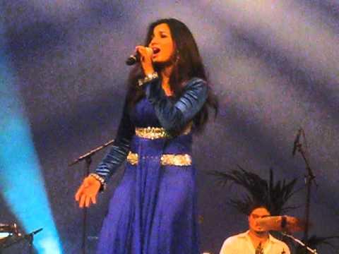 Shreya Ghoshal - Soniyo & Shukran Allah