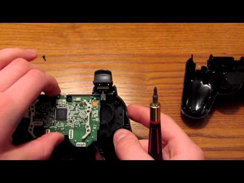 How To Take Apart Your PS3 Controller