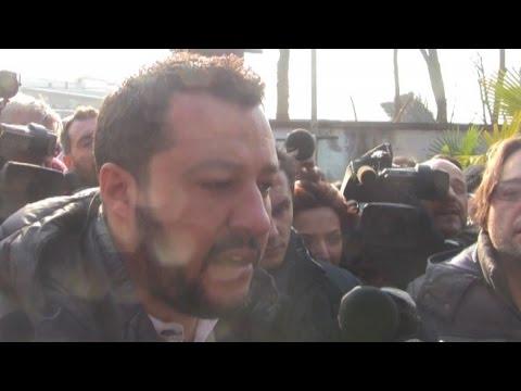 Faccia a faccia Salvini-Rom a Milano: chiuderei tutti i campi