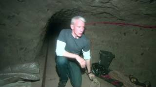 2010: Inside Mexican border drug tunnel