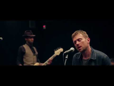 Damon Albarn in reahearsal - Tomorrow comes today